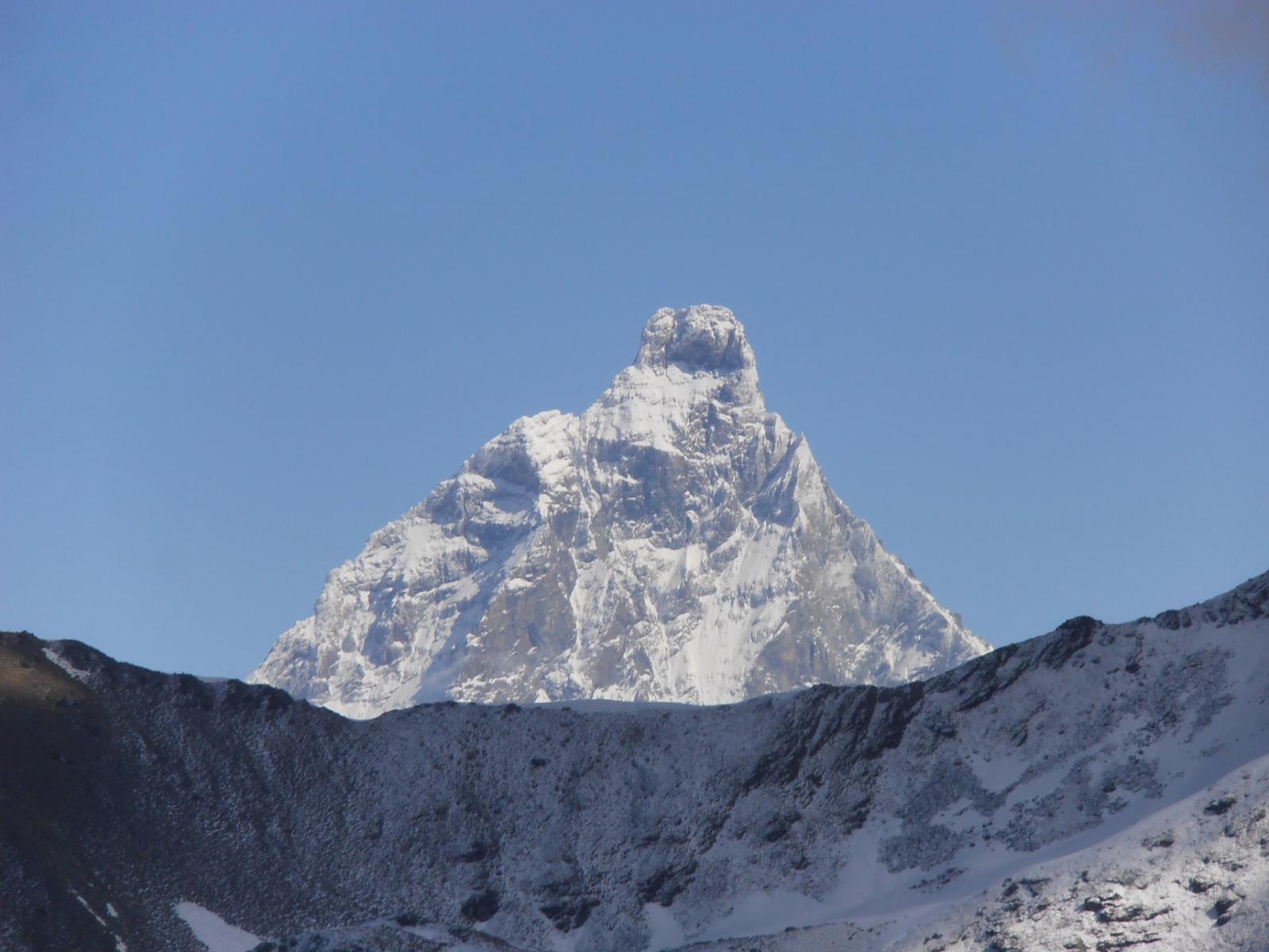 07 - il Cervino dietro il Monte Tantané