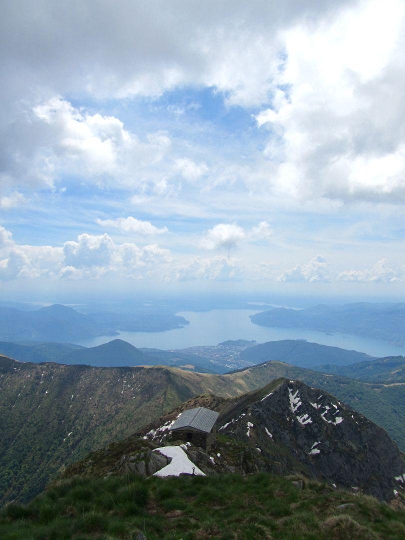 dalla cima verso il lago
