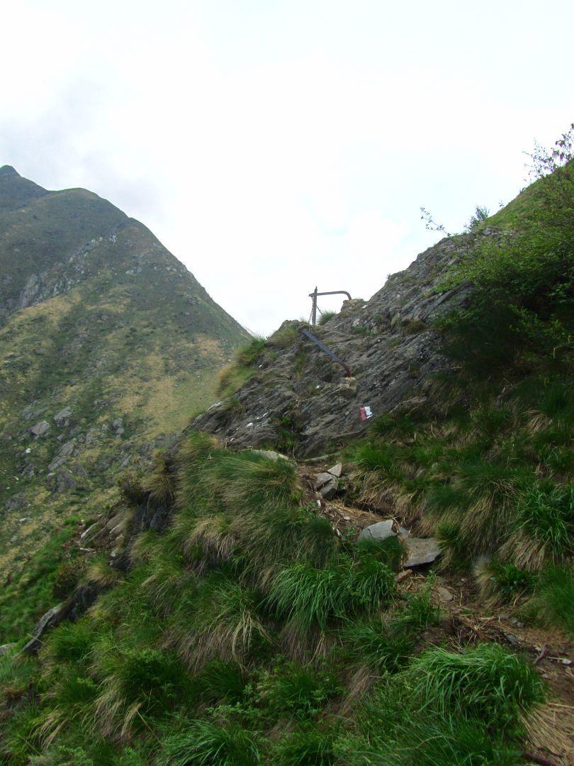 parte del sentiero franato a mezzacosta del Balmit