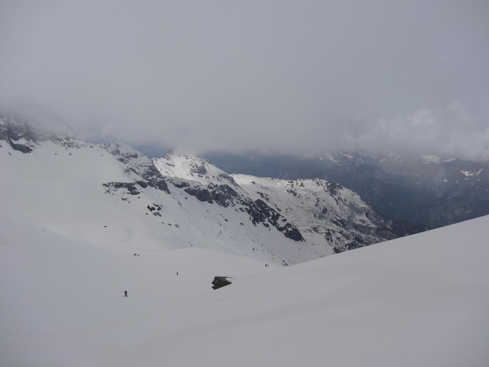 in discesa bella neve