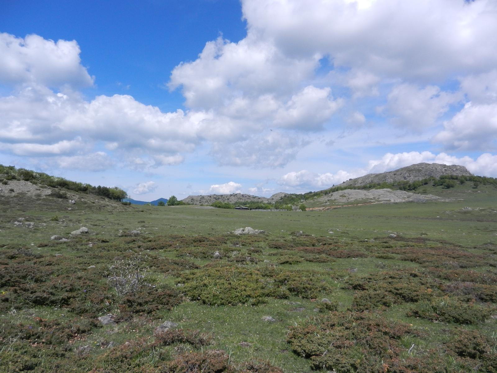 Prato Grande e il rifugio Monte Ragola