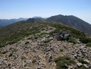 La vetta dello Strifomadi, sullo sfondo Gingilos e Volakias