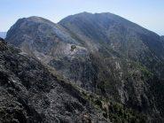 Dalla vetta, il monte Gingilos e il Volakias