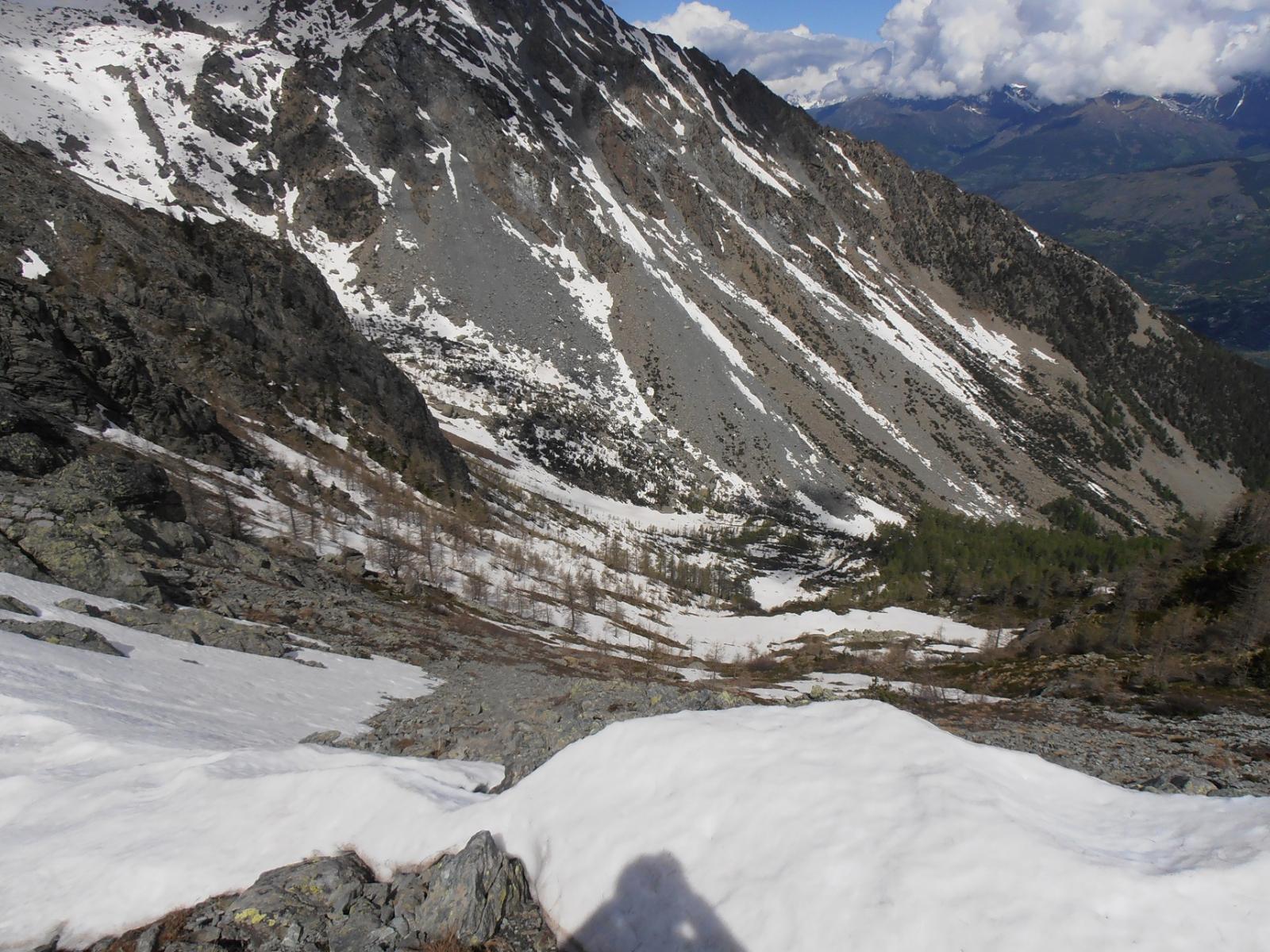 05 - La salita dal versante Nord del Colle di Valmeriana è ancora principalmente su beve