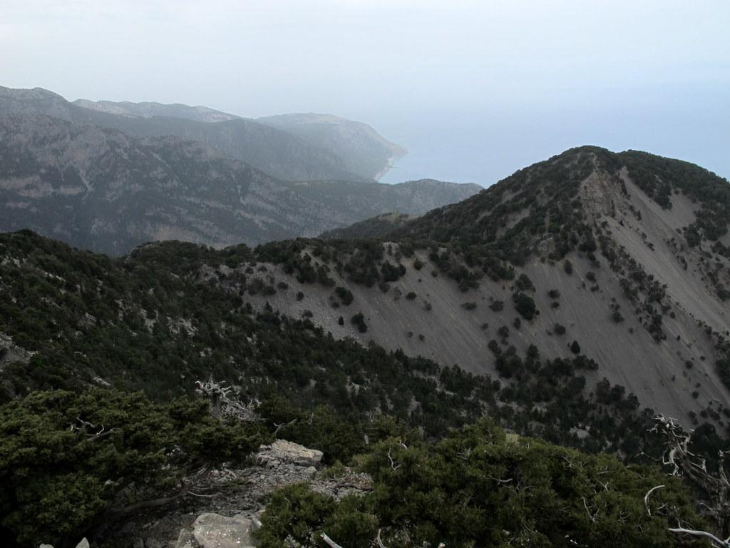 Il Kefala, lungo la cresta che dovremo percorrere