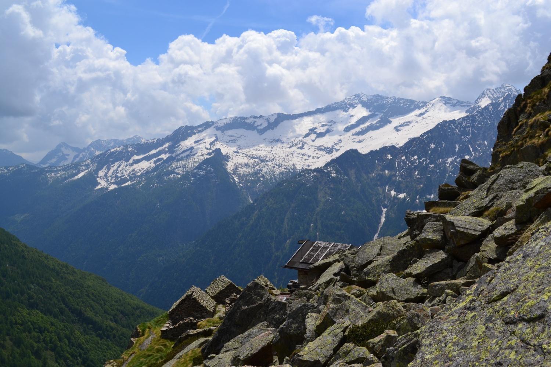 sopra i tetti dell'Alpe Crosa (1940 m)