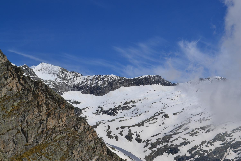 panorama verso le cime sul confine svizzero