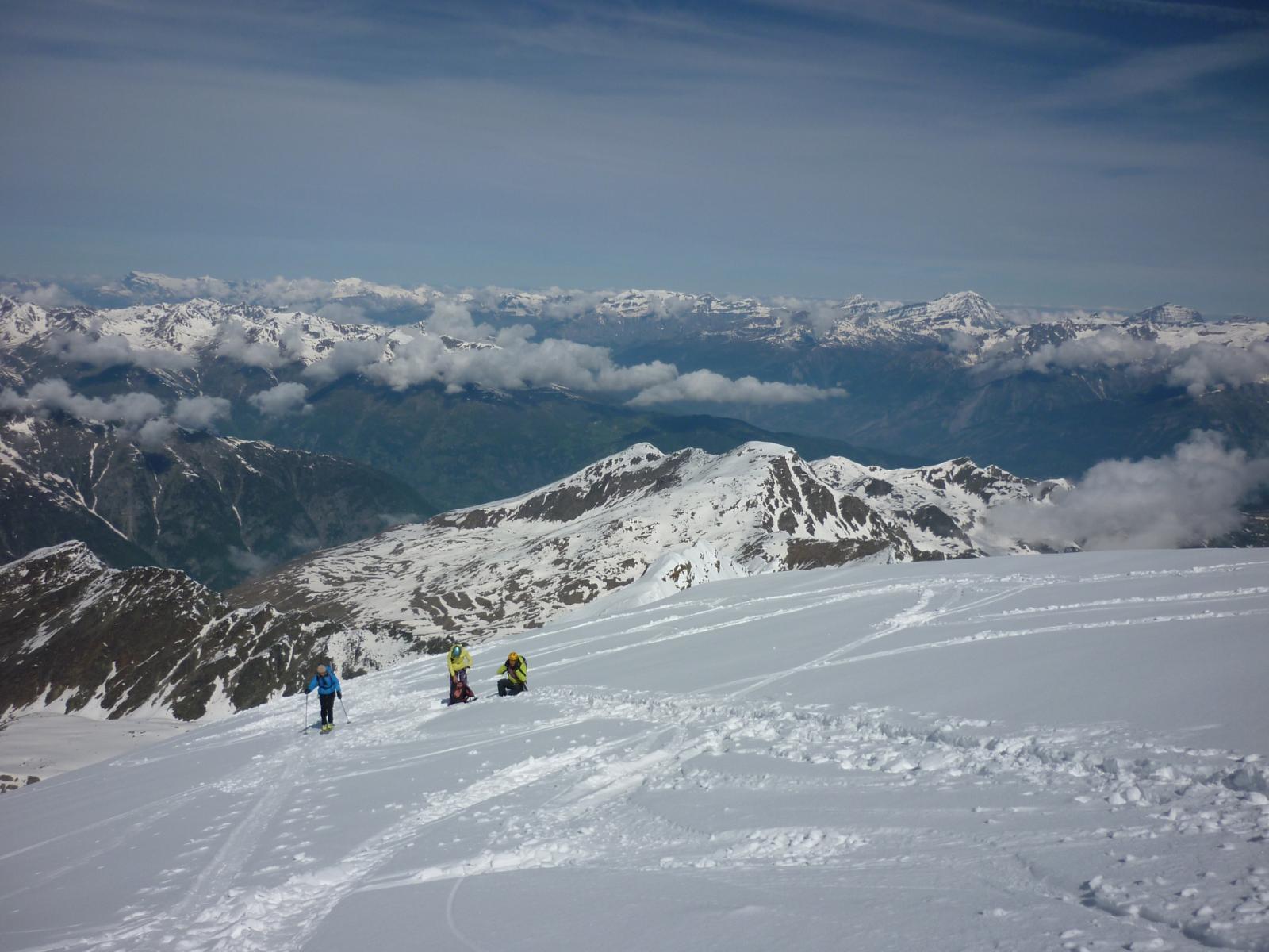 tratto della cresta finale con ski alps provenienti dalla nord
