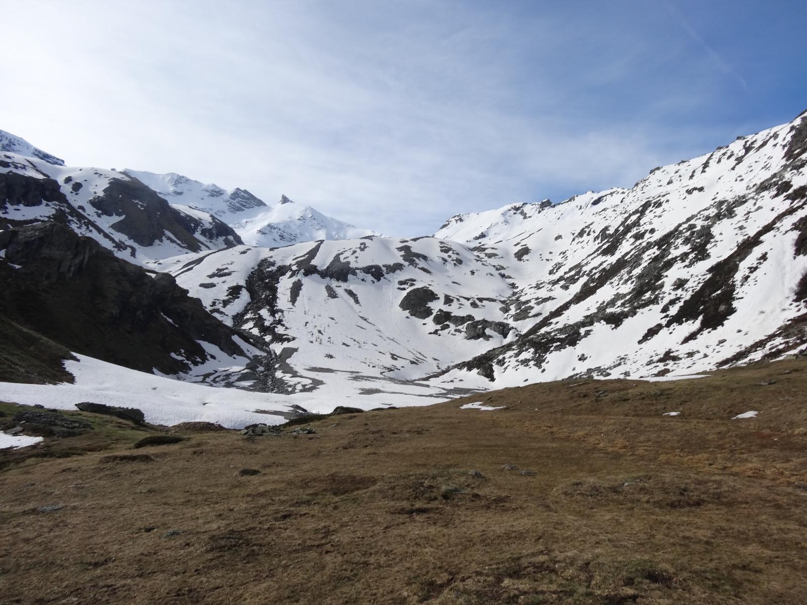 il pianoro dove si mettono/tolgono gli sci