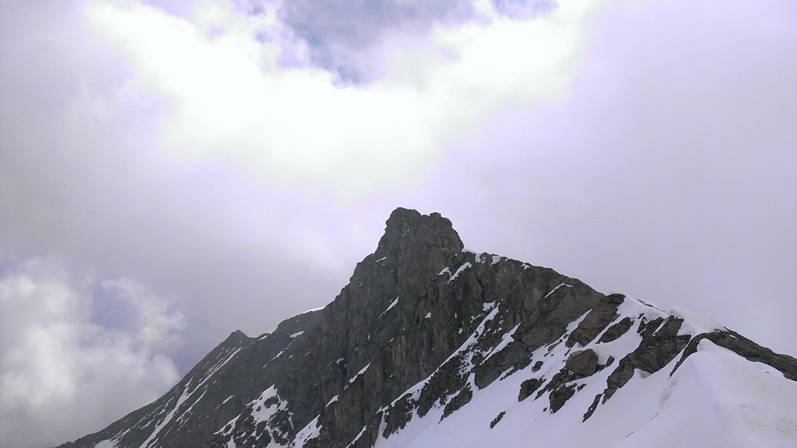 Dalla cresta,verso la cima, prima delle nuvole