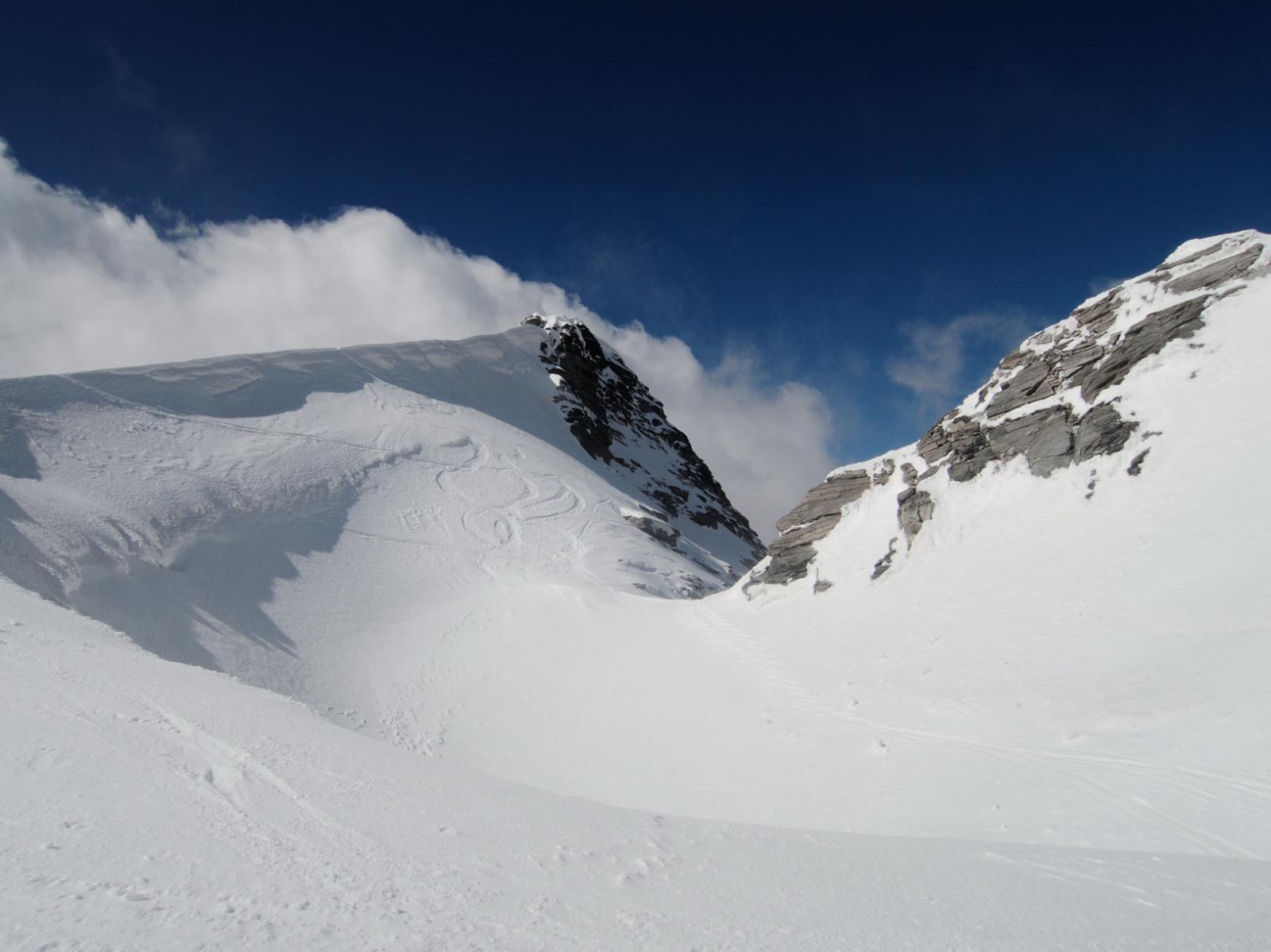 Bocchetta per accedere al canale a Nord della cima