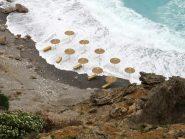 Anche la spiaggia di Iligas non se la passa bene