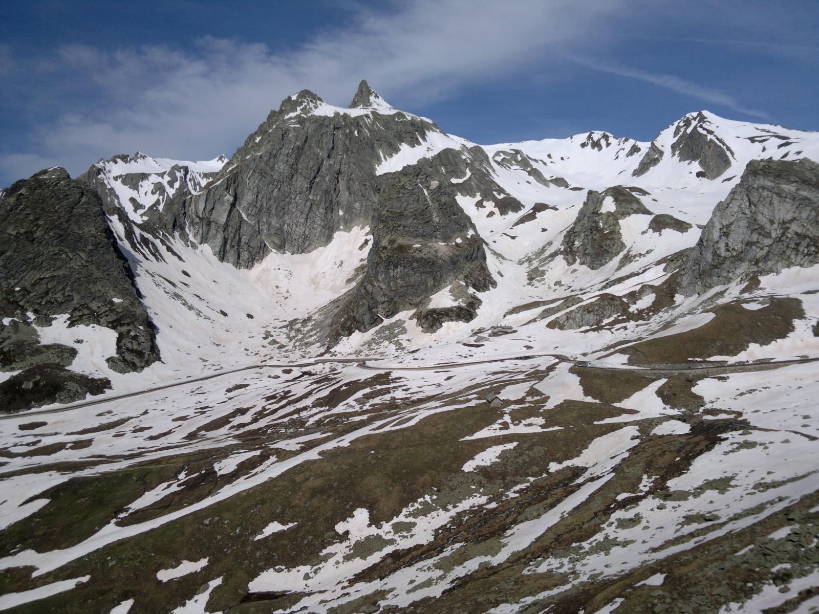Vista della valle dal passo del Gran Sanbernardo.