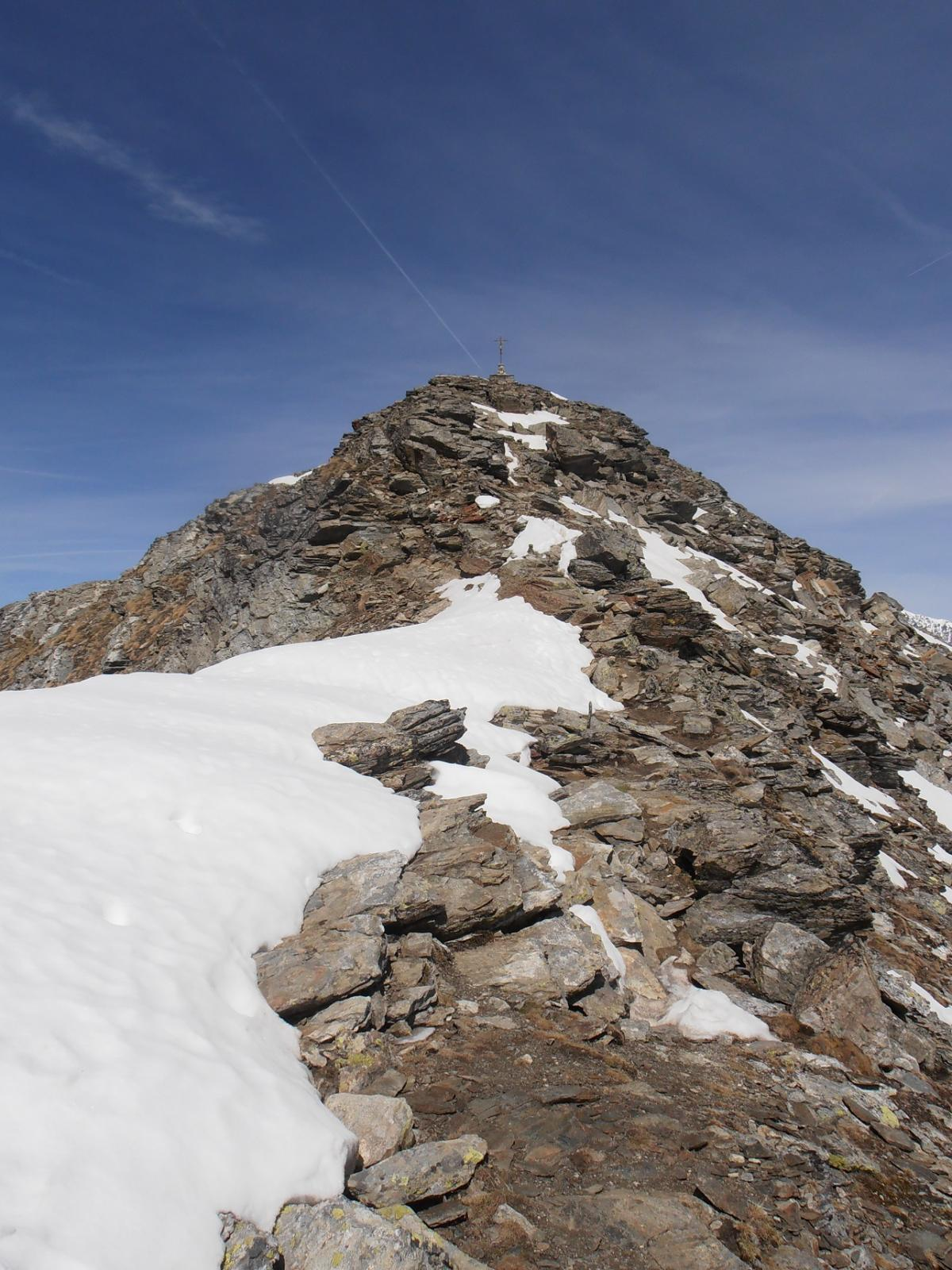06 - l'arrivo in cima, nevai aggirabili