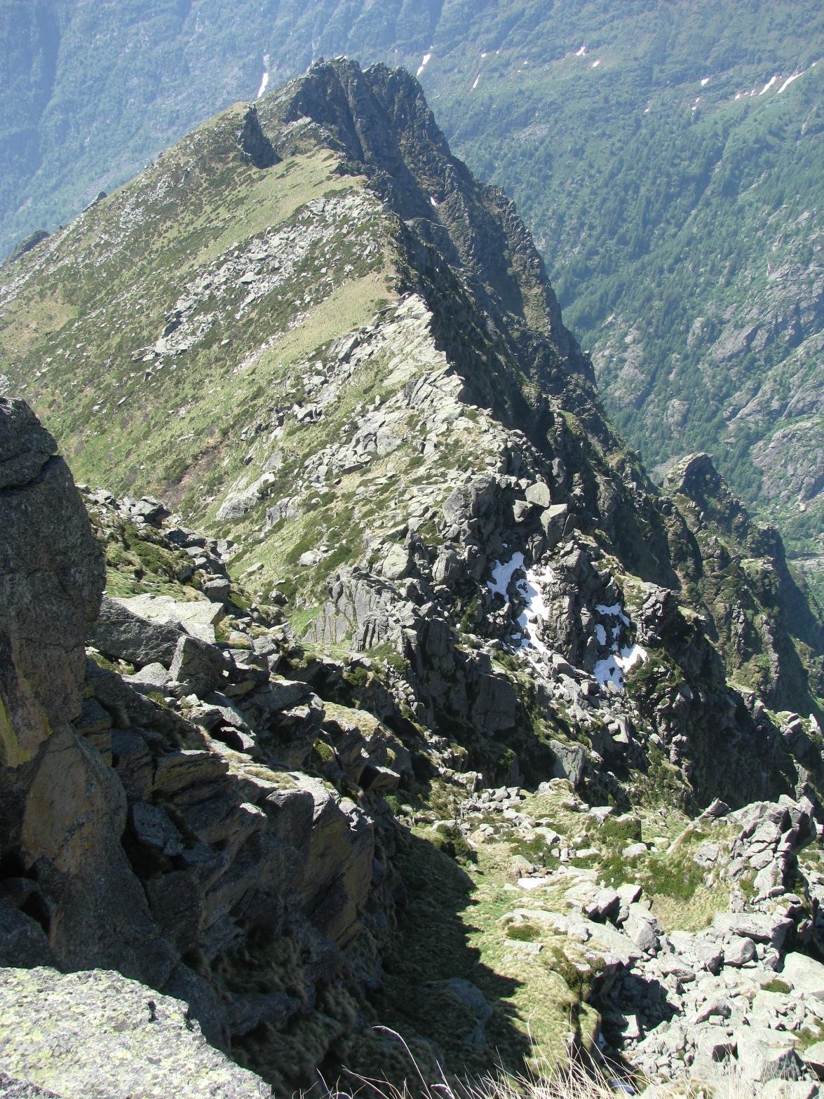 Dalla cima, vista sulla cresta sud