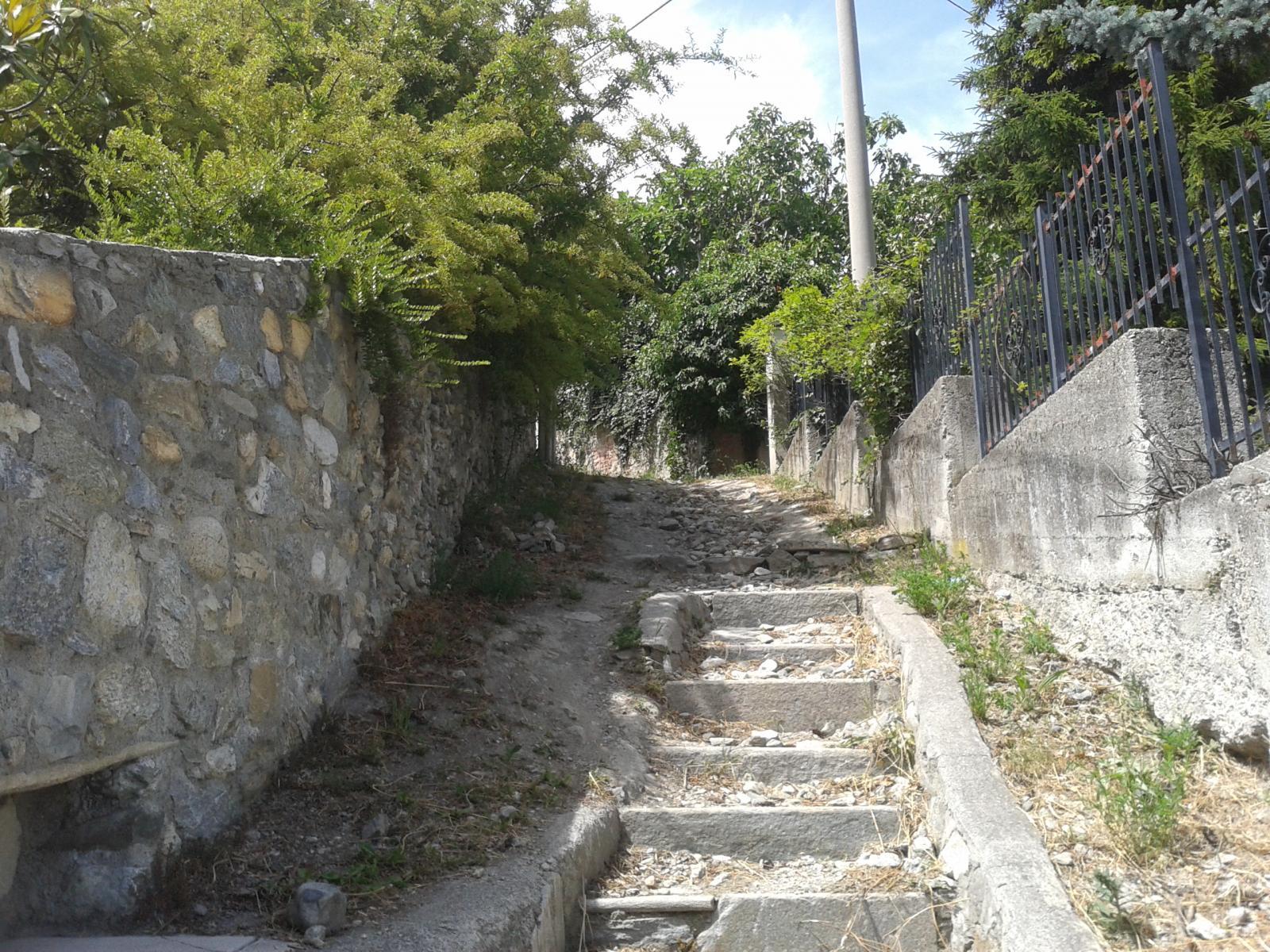 ultimo tratto di sentiero prima di arrivare in Via delle Betulle