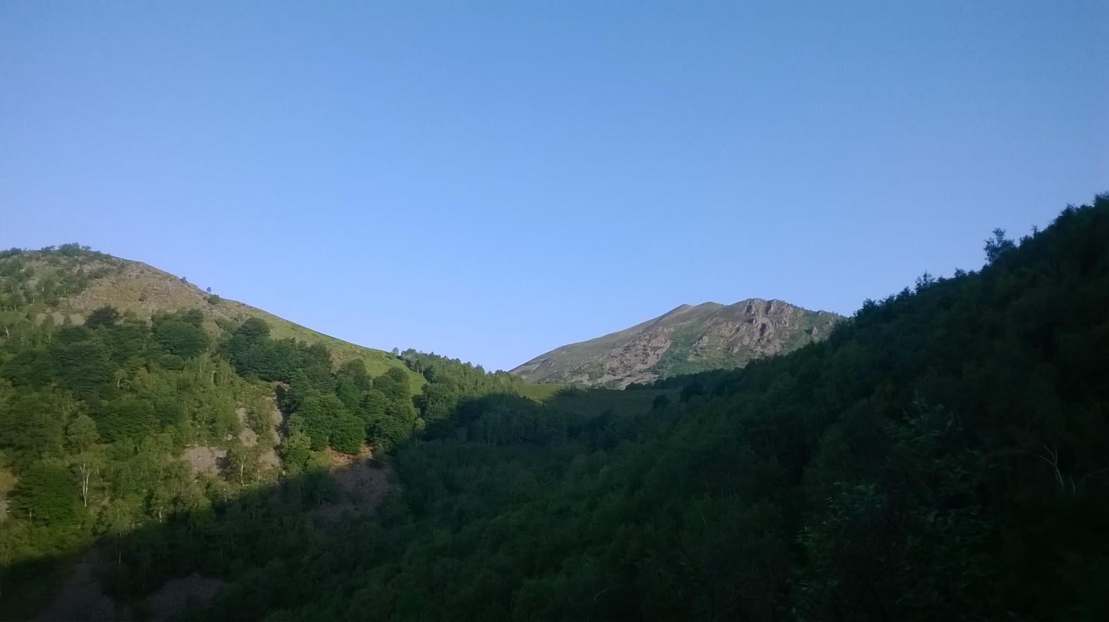 il monticchio appena fuori dal bosco