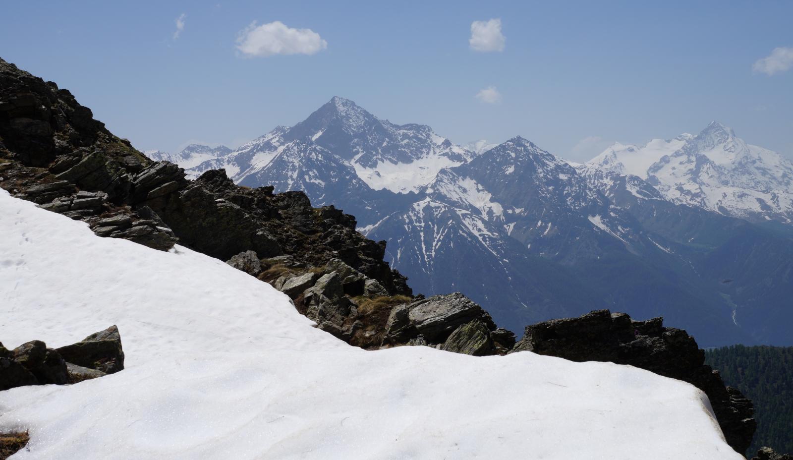Panorama dal Collet verso l'Emilus e la Grivola