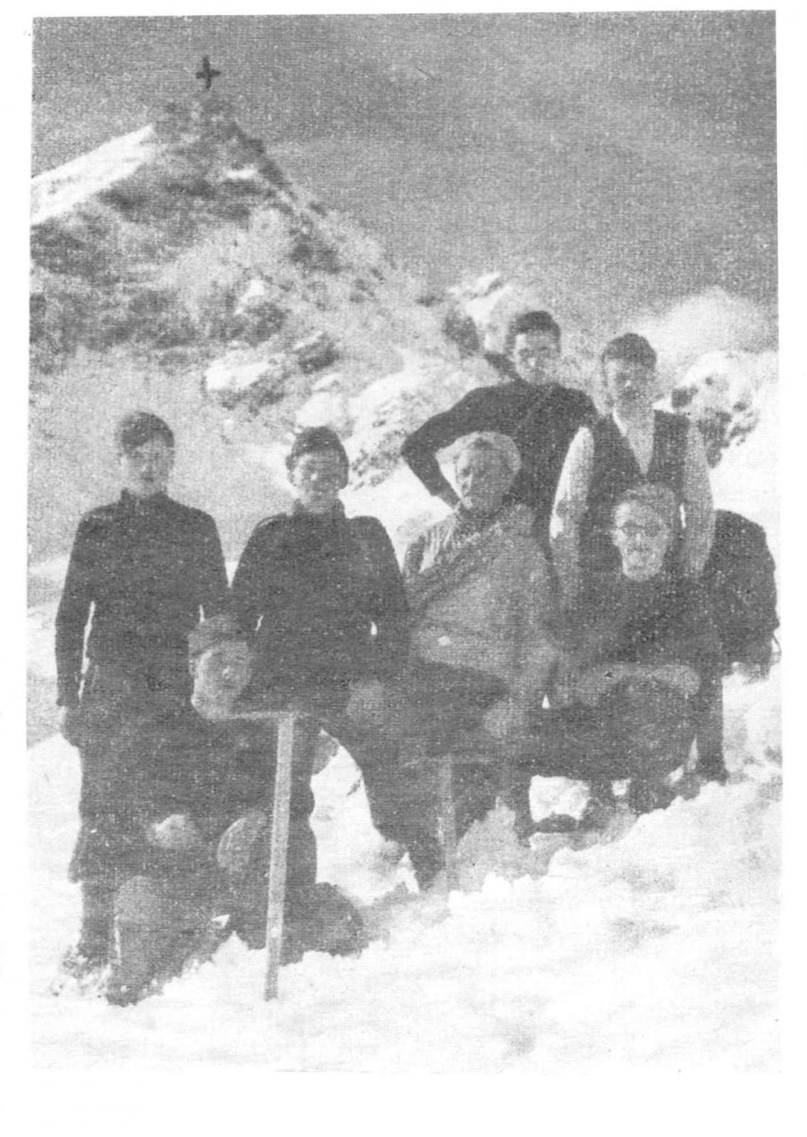 Uja d Pratofiorito, Febbraio 1941, in piedi a sx., mio padre