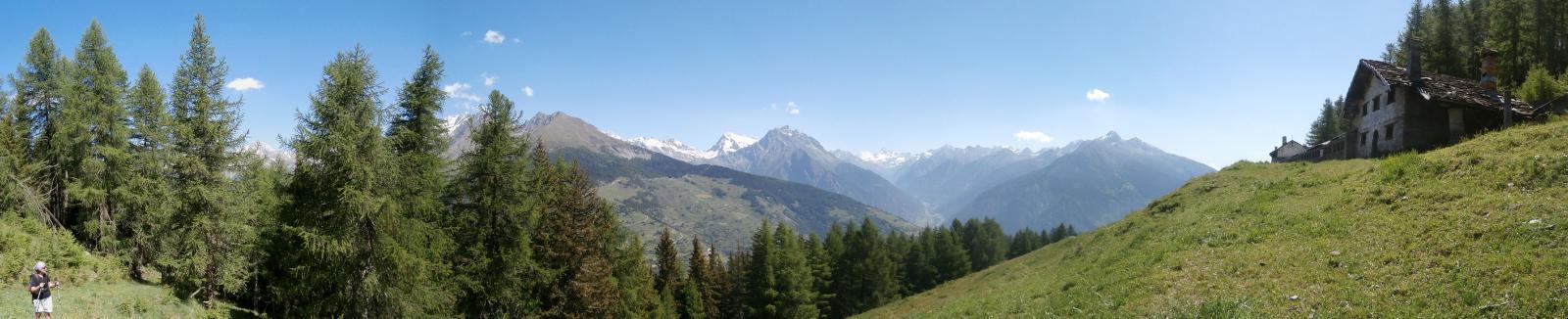 panorama verso il Cervino  dal sentiero n.3 C...