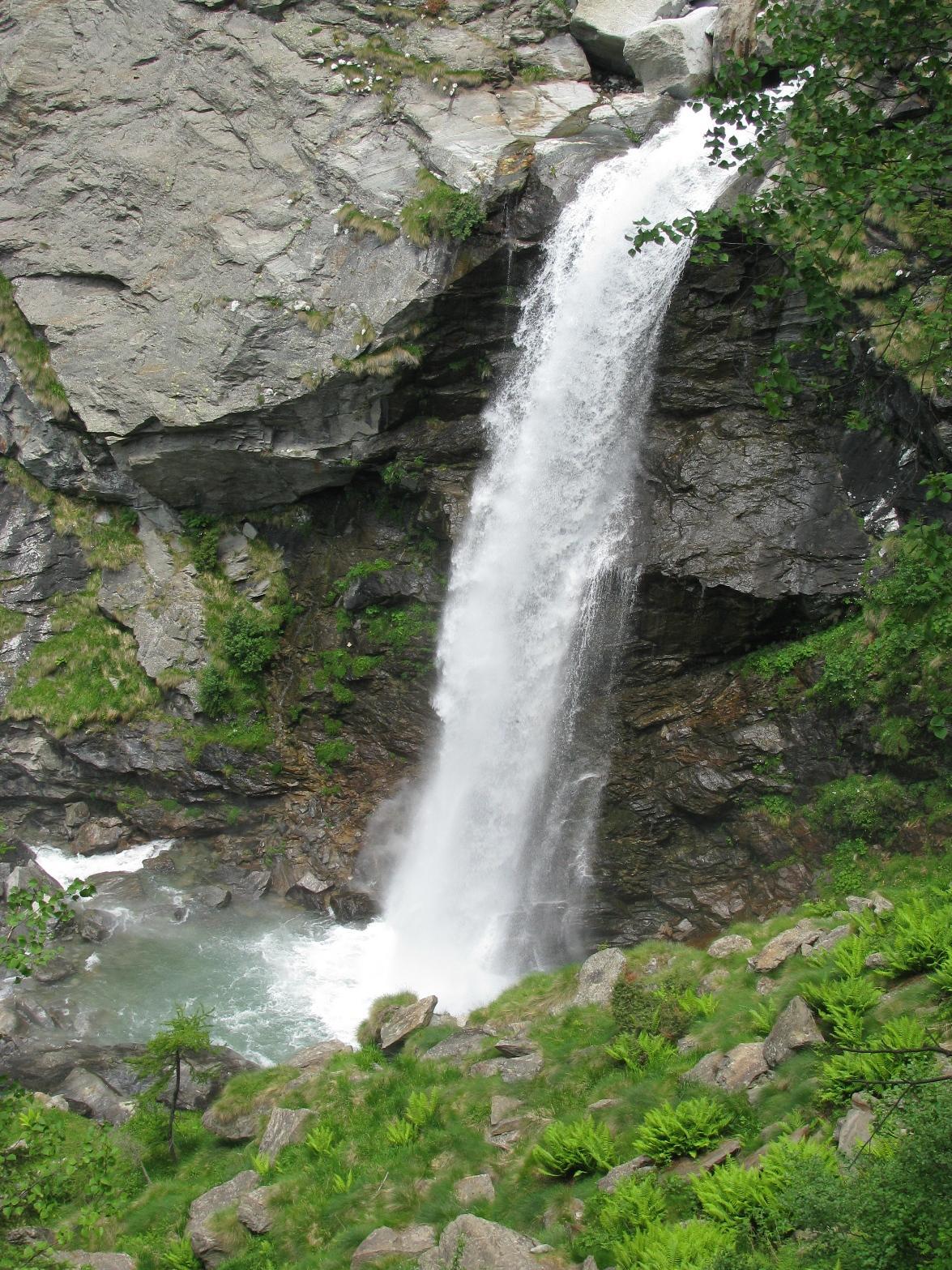 La bella cascata della Sassa