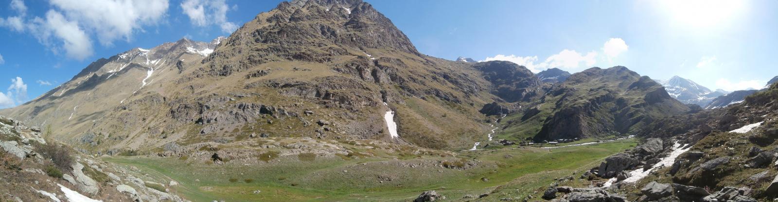 l'alpe Grauson  vista dal bivio  per il lago di Money ,sentiero 3C..