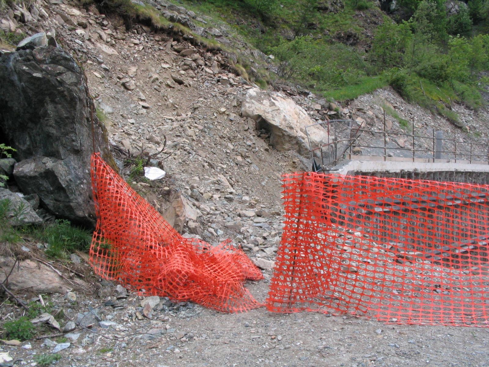 attraversare qua la recinzione dello scavo