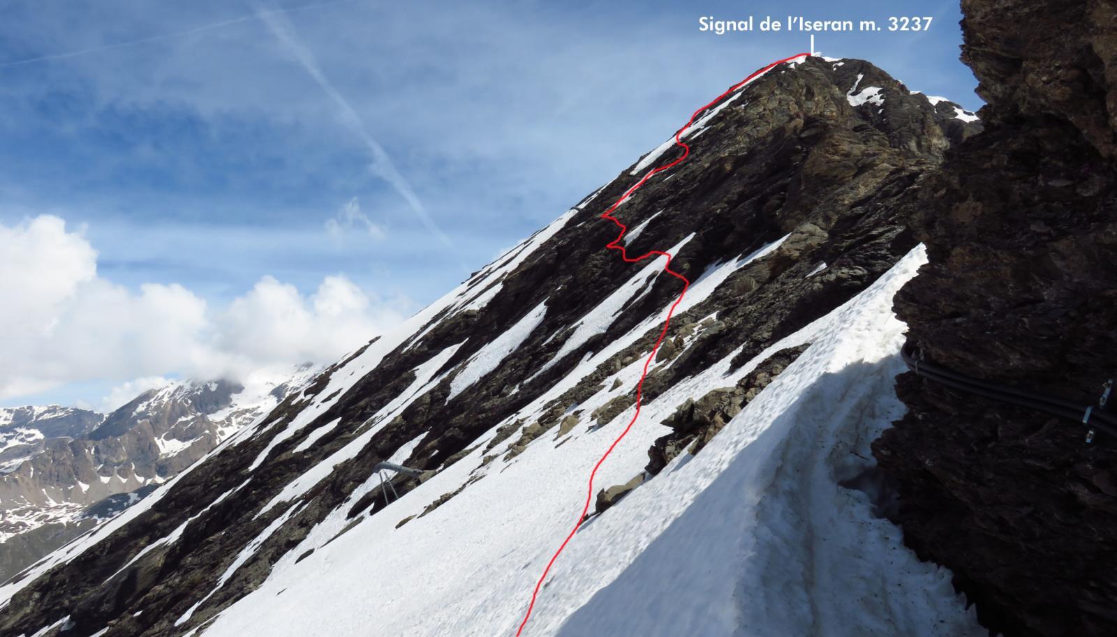 la parte alta della cresta SO vista dal colletto di quota 3031 m