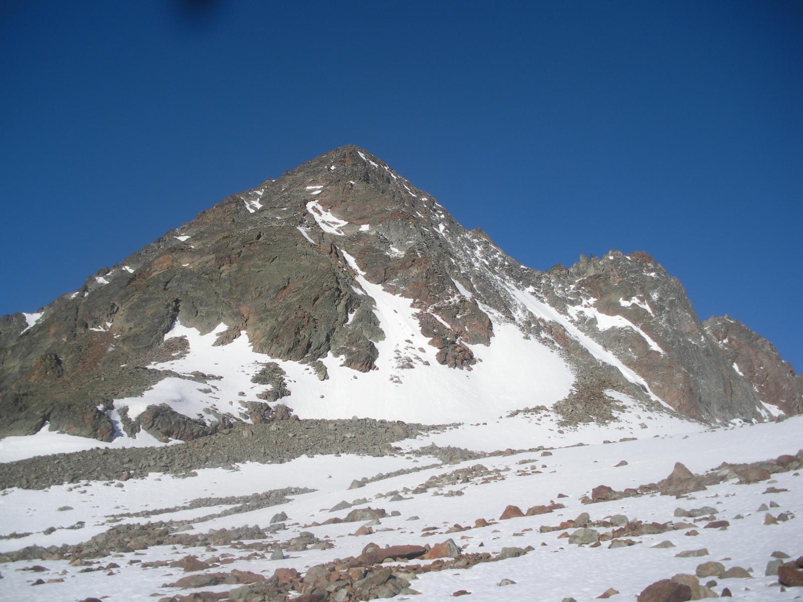 Il monte o Tour Grauson da nord est nella fase di avvicinamento..