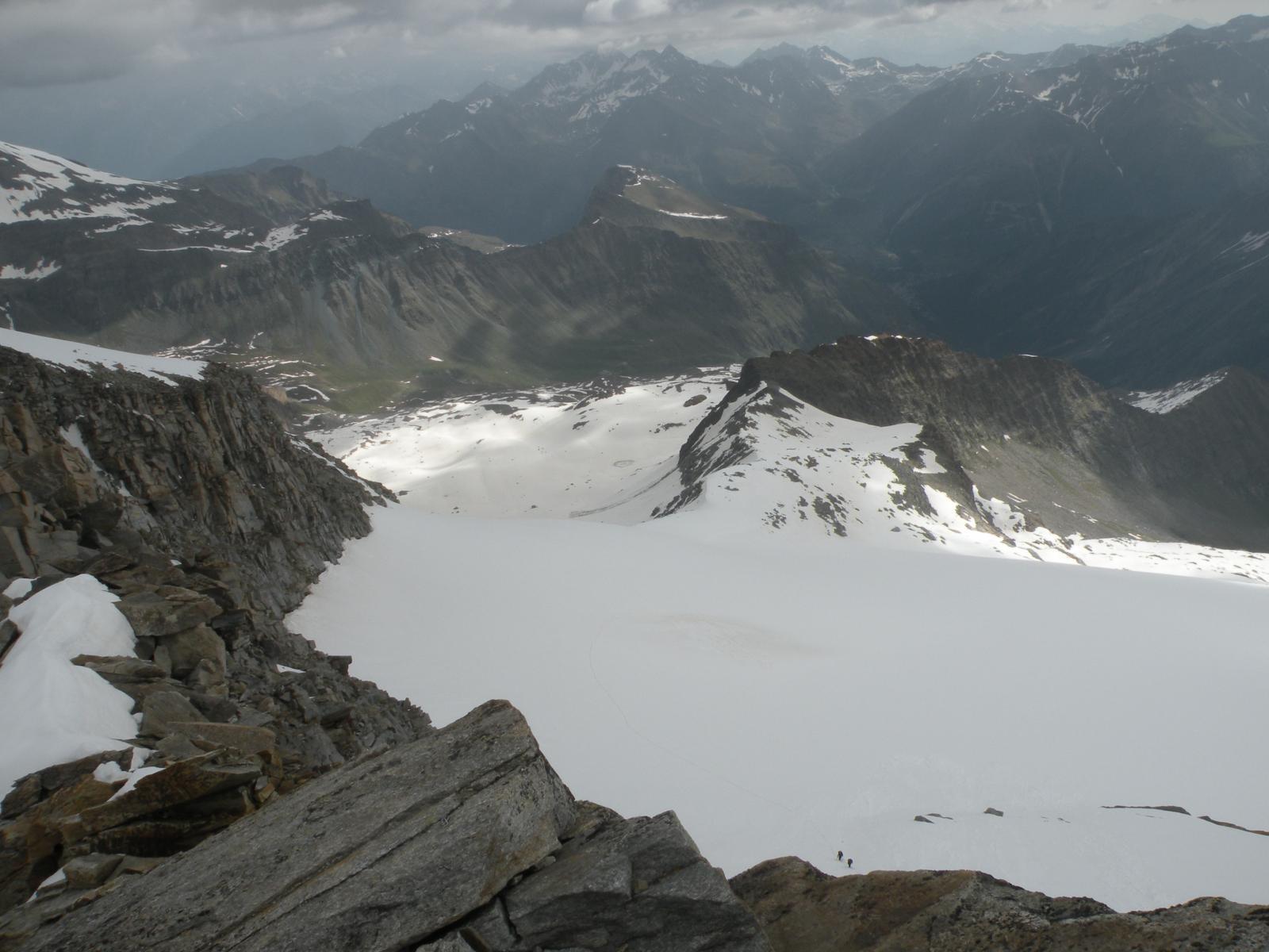 Vista verso il ghiacciaio del Lauson