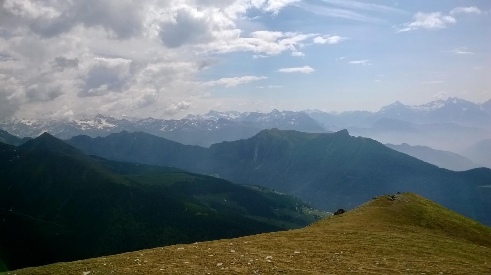visuale ad est dalla cima