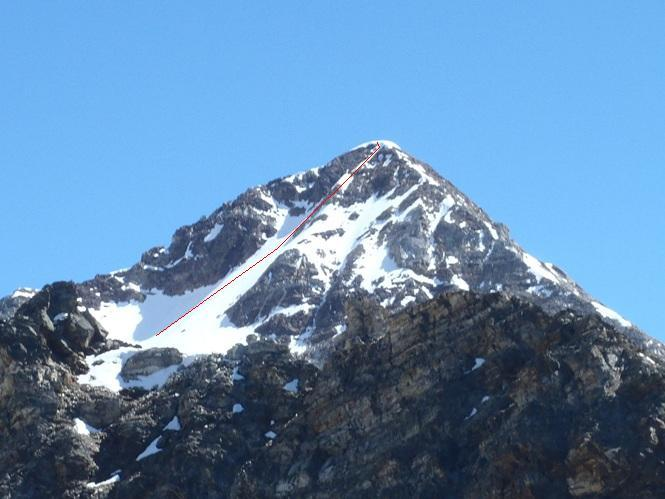 La via di salita tra i 3250 e la vetta vista dal Mont Dzalou
