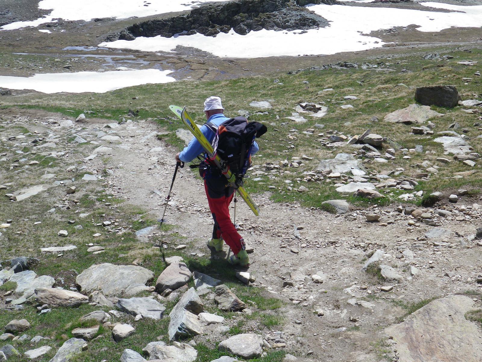 partenza sul  sentiero per la capanna