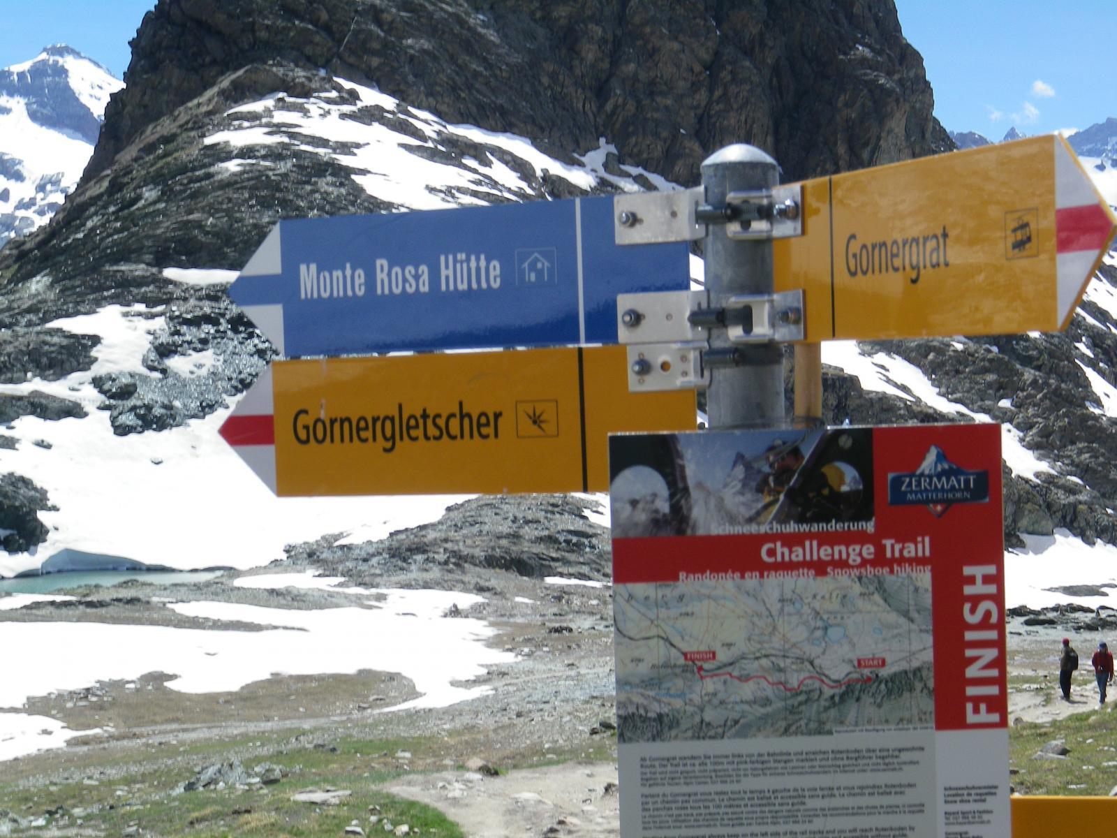 alla stazione di Rotenboden dove inizia il sentiero per la capanna