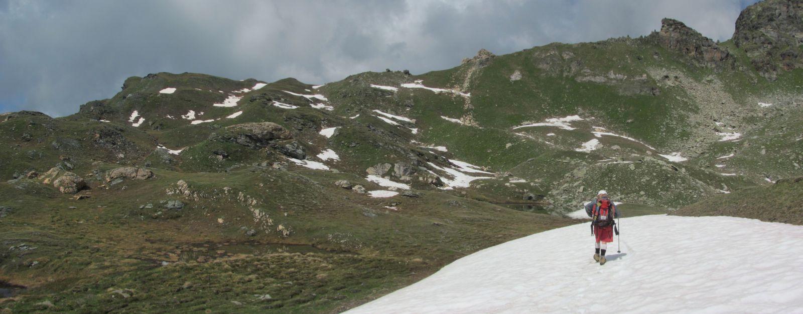 alcuni nevai per la salita al Col Chaleby
