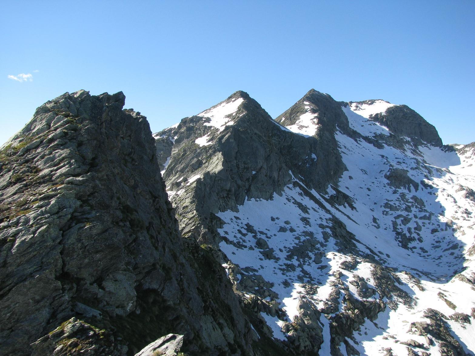 Arrivando in cresta con, Punta Henragher, Liamau e Monfandì