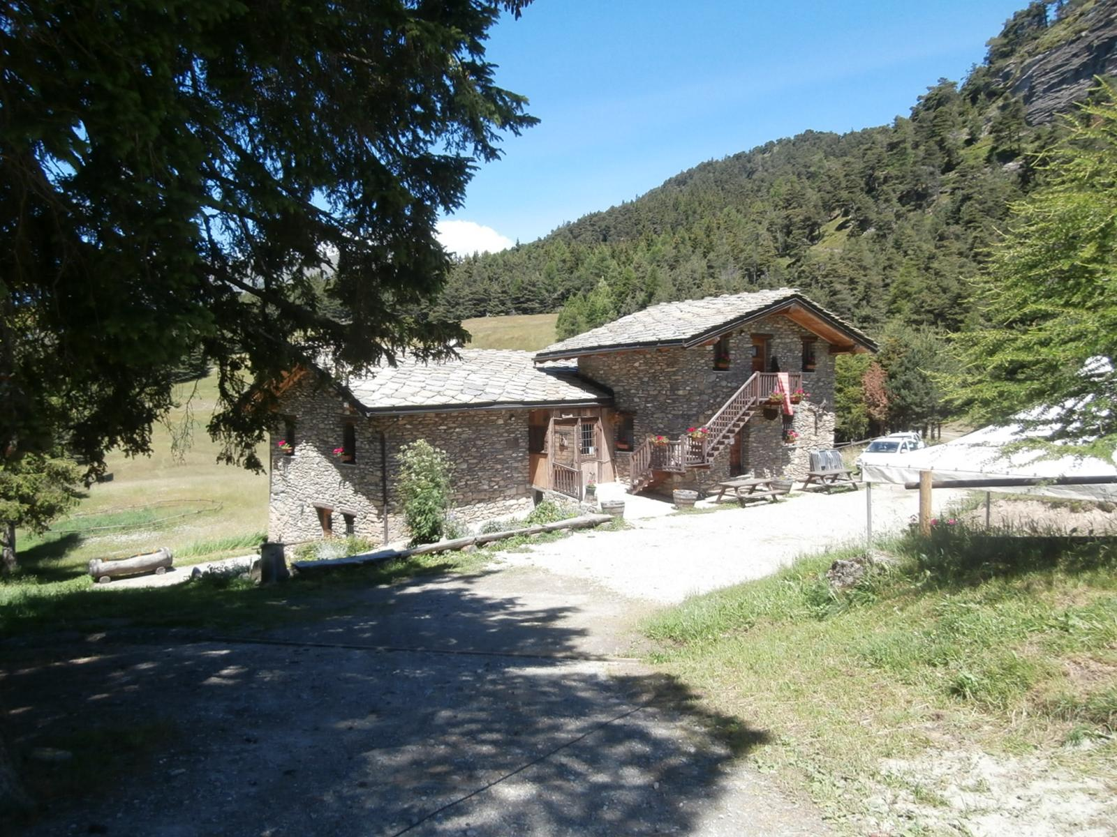 l'Ostello Lavesé, ottimo trattamento ed ambiente rilassante ...