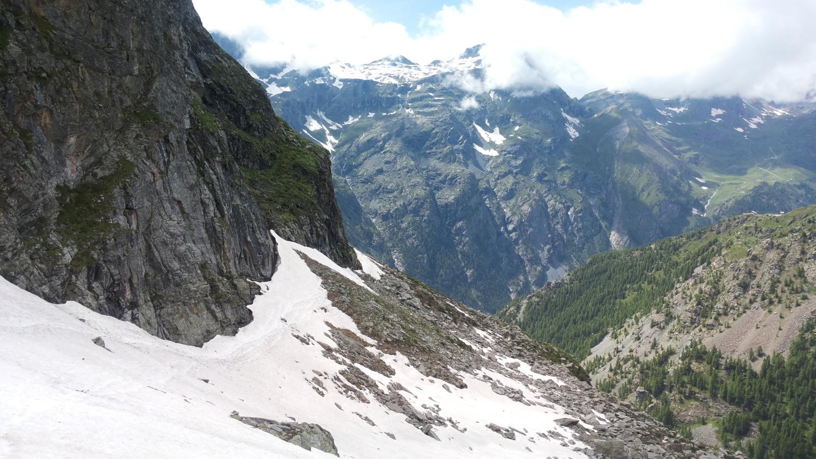 traversata verso Gabiet, presente ancora un nevaio importante