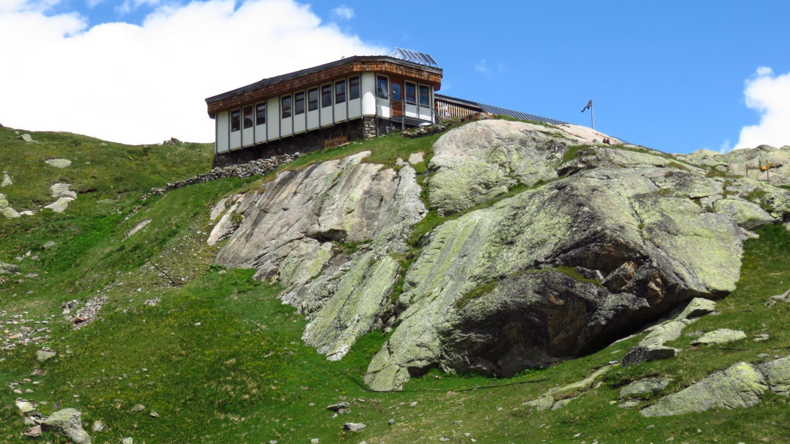 Refuge des Evettes, ottimo punto d'appoggio per la salita alla Punta Francesetti