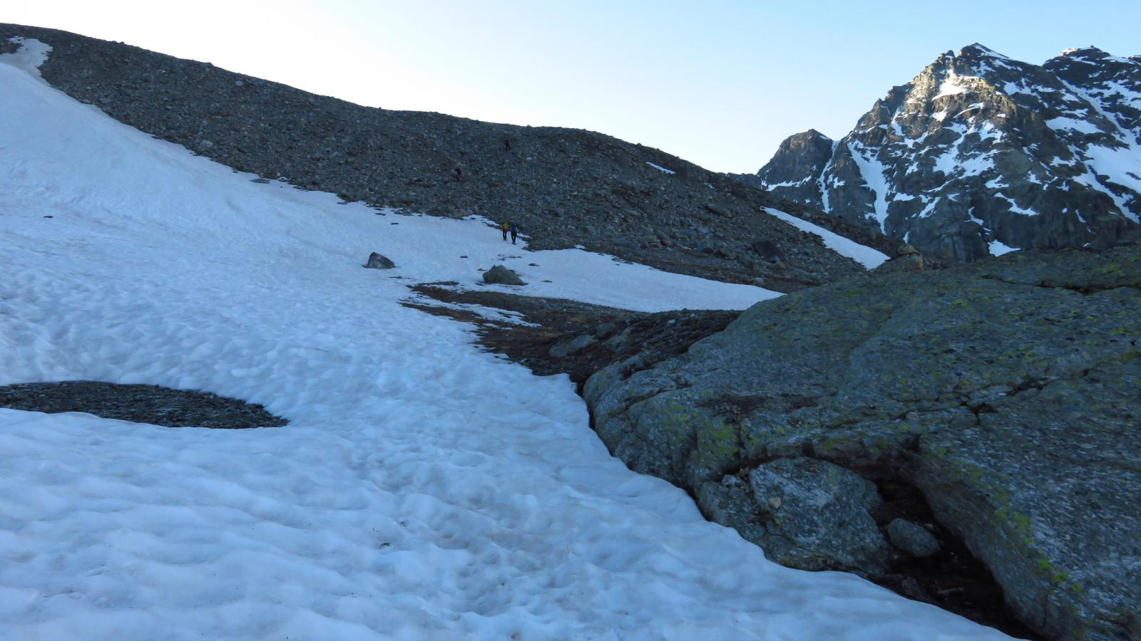 prime lingue di neve a quota 2700 m