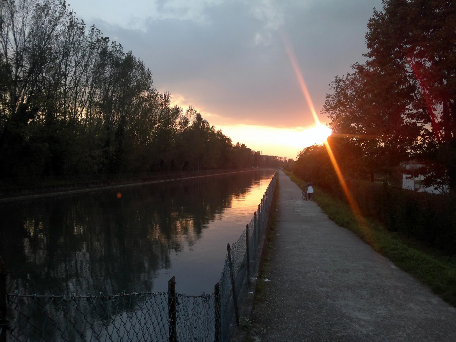 Pista presso il Canale Derivatore AEM di Bertolla
