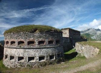 Fort Central e Rocca dell'Abisso sullo sfondo.
