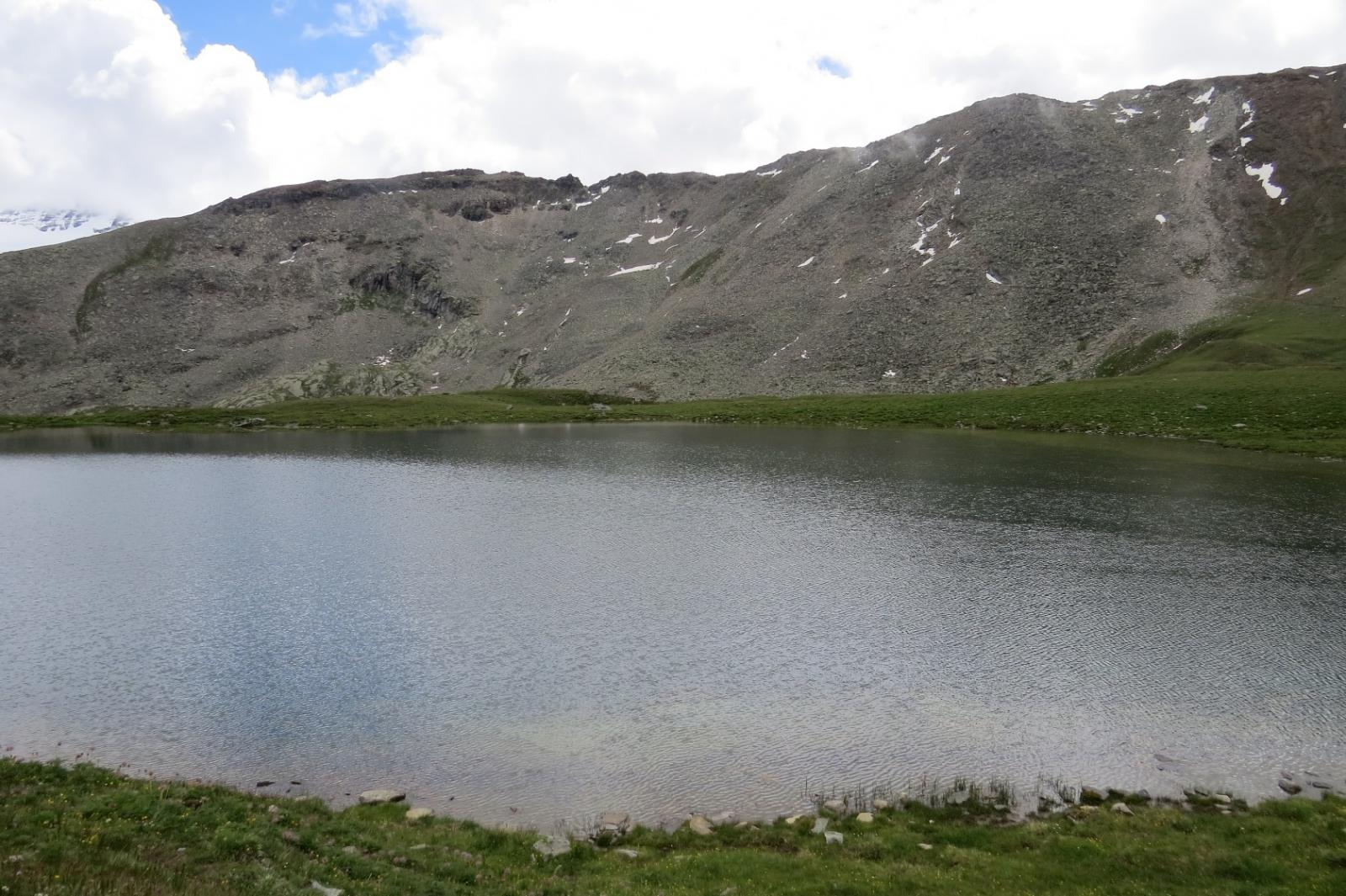 Il lago grande ed il Col Manteau