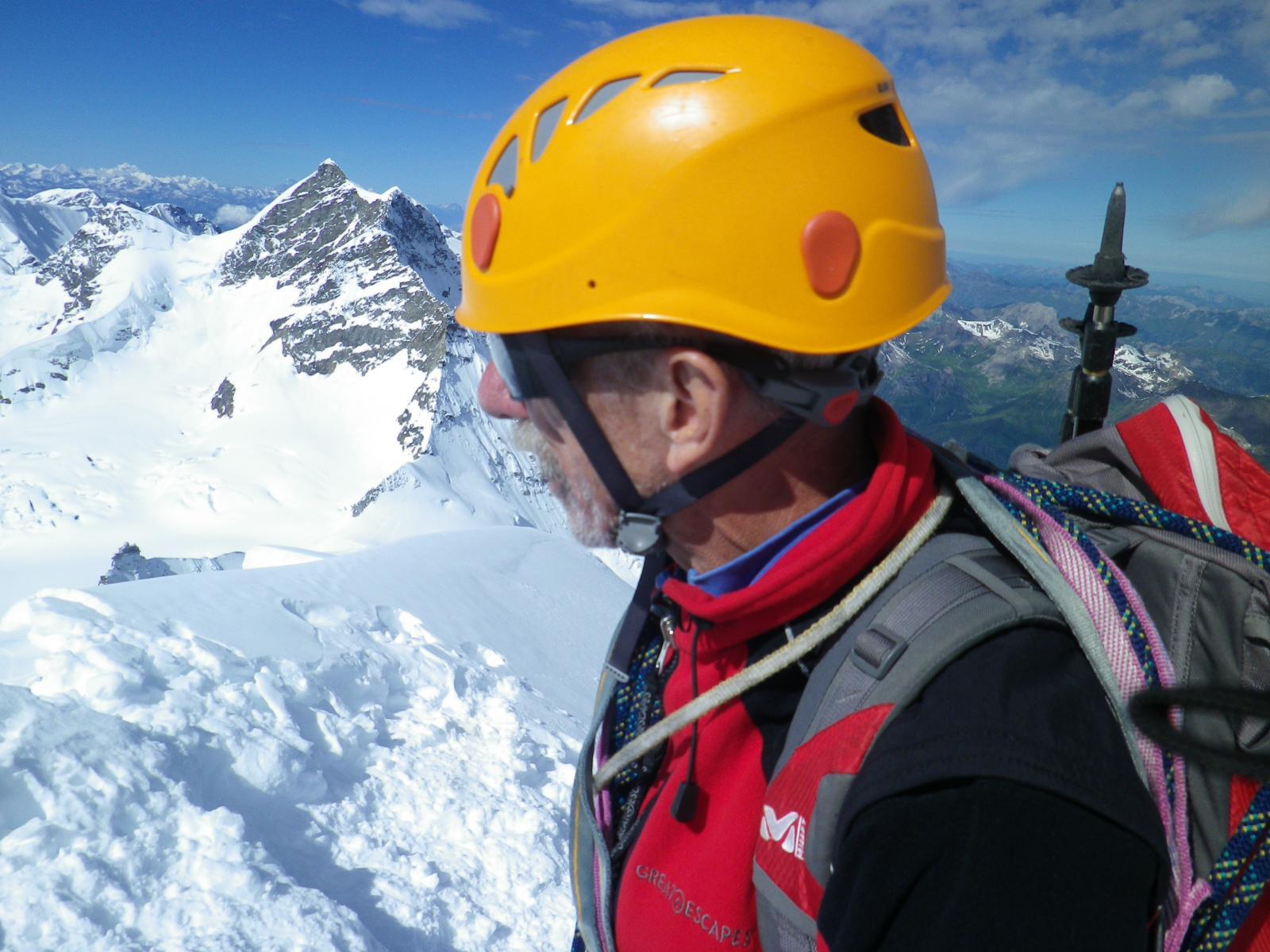 in vetta, guardando la Jungfrau dirimpetto