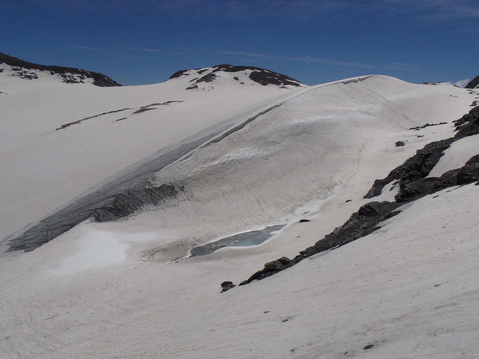 08 - inizia ad affiorare ghiaccio soltanto nella parte finale dell'ex-lago