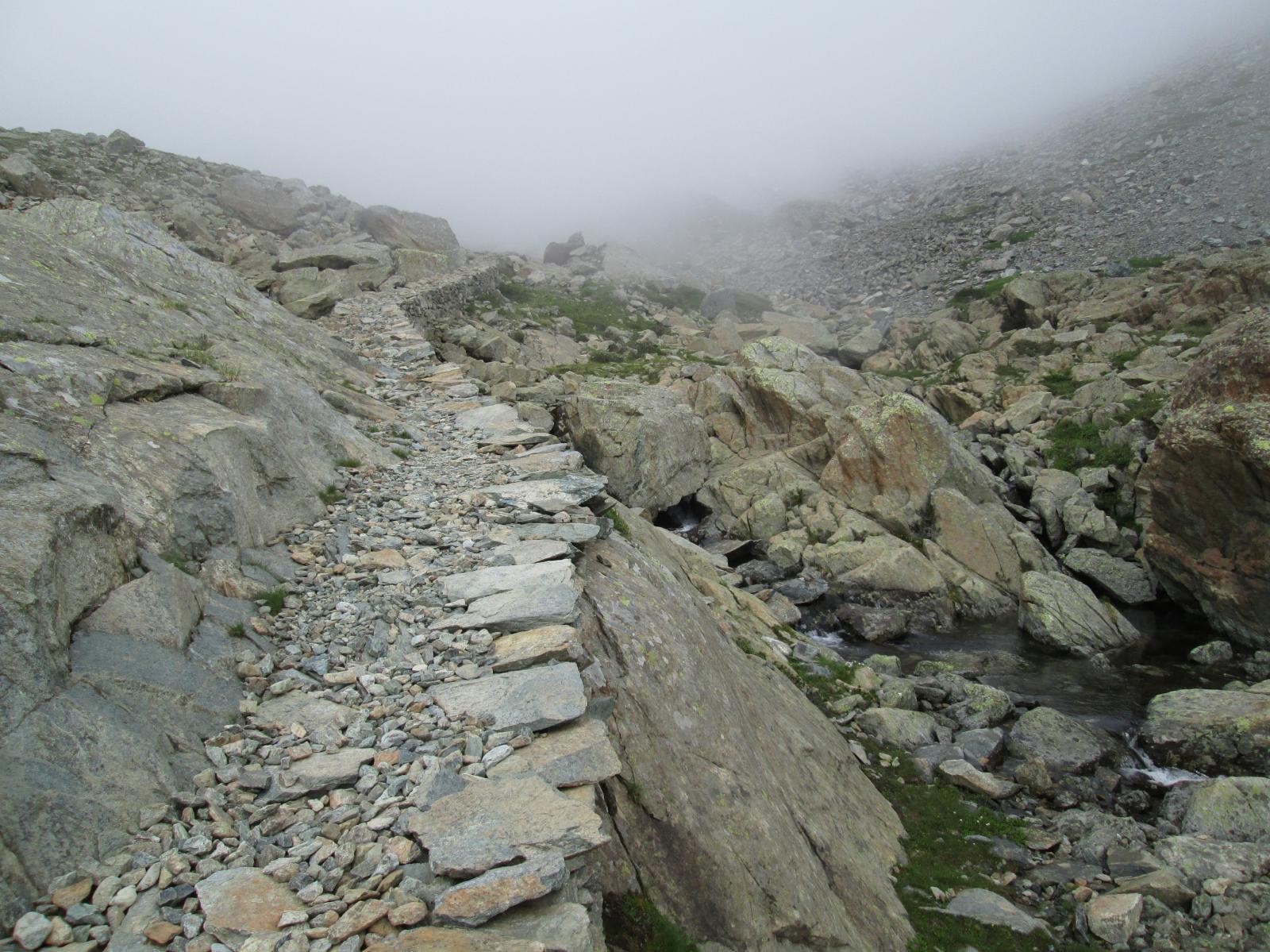 sentiero verso la miniera di ferro del lac gele'