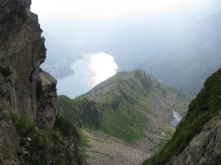 Una finestra sul lago, percorrendo la cresta della Corbassera
