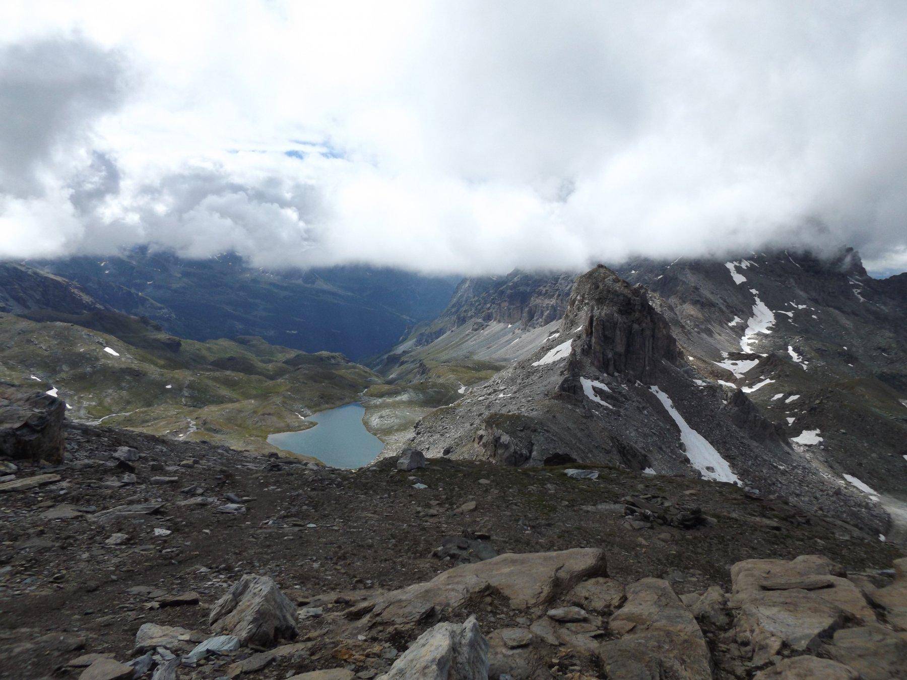 Panorama verso il colle ed i laghi