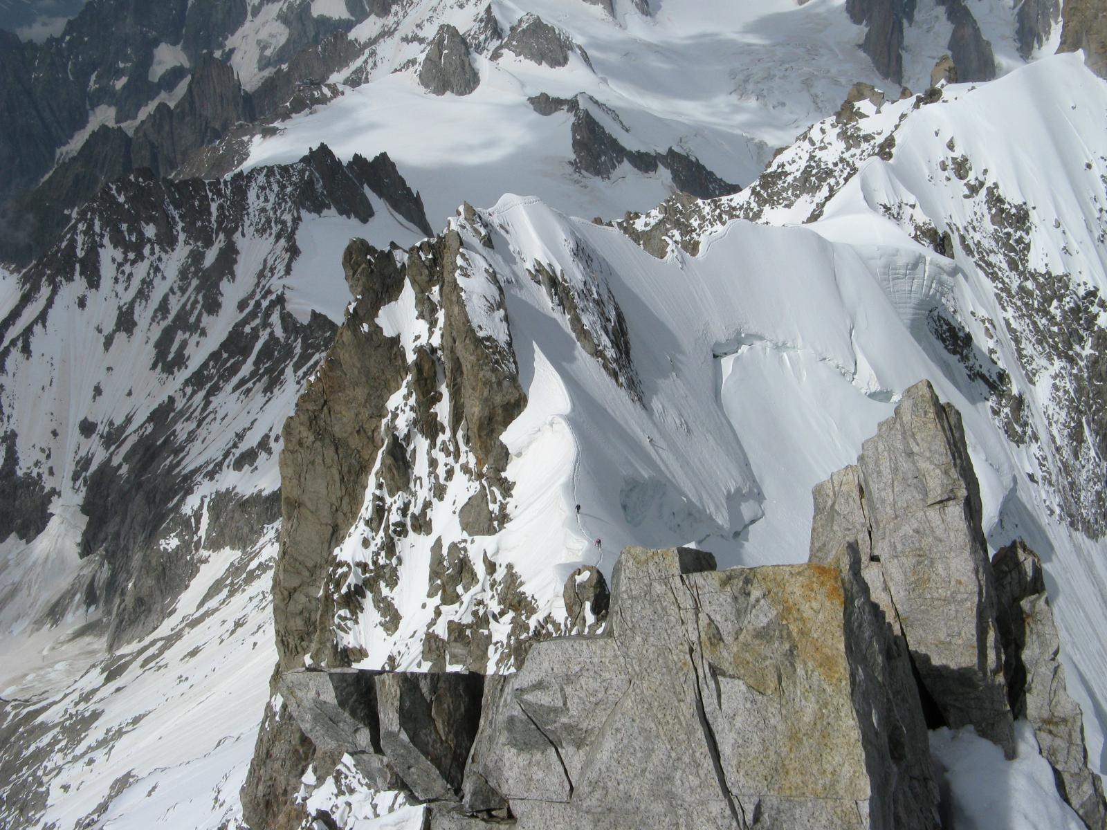 La cresta dalla Cima dell'Aiguille
