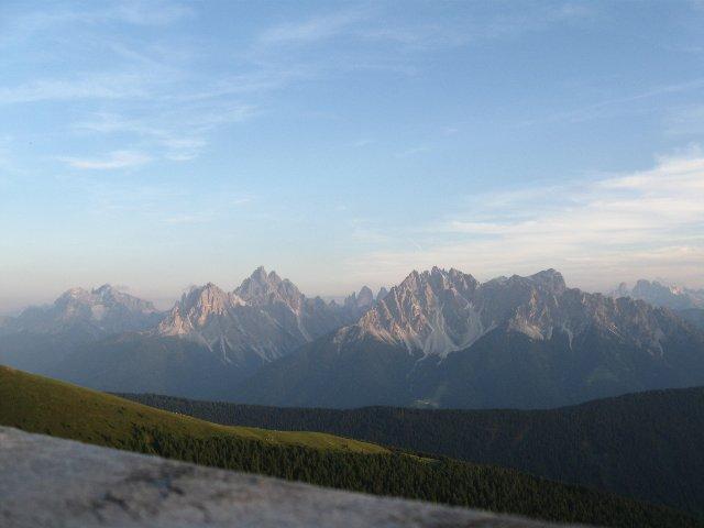 tramonto sulle Dolomiti di Sesto dal rifugio
